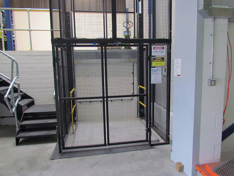 goods lift by Titan lifts uk
